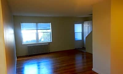 Living Room, 1423 W 4th Ave, 1