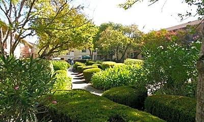 Boris Garden Apartments, 1