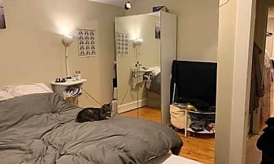 Bedroom, 281 S Winooski Ave, 2