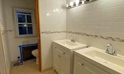 Bathroom, 11 Station Rd, 2