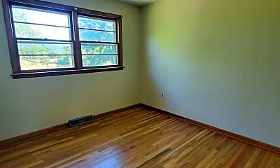 Bedroom, 4615 Lincoln Way E, 2