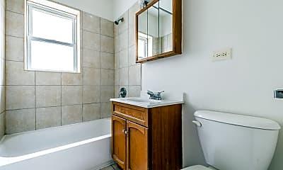 Bathroom, 8155 S Maryland Ave, 2