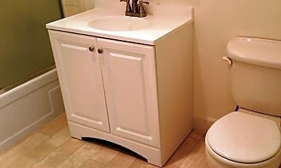 Bathroom, 78 Bentley Ave, 2