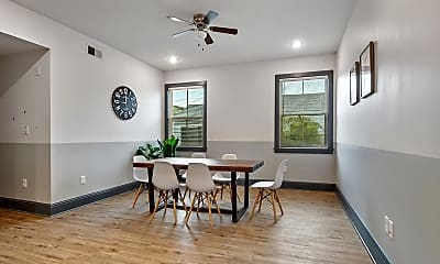 Dining Room, Room for Rent - Live in Central City, 0