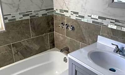 Bathroom, 69 Blue Hills Ave B5, 2