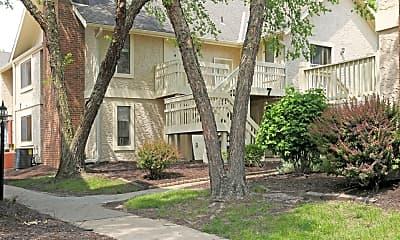 Building, Woodcrest Apartments, 2