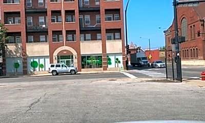 Building, 2000 W Warren Blvd, 2