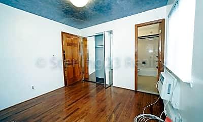 Living Room, 21-51 Hazen St, 1