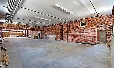 Building, 2000 Reynolds Ave, 0