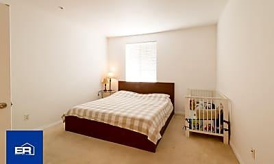 Bedroom, 360 W Ave 26, 1