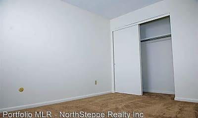 Bedroom, 379 Wyandotte Ave, 2