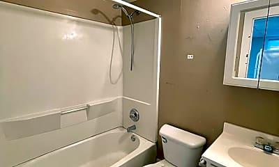 Bathroom, 10 Lincoln Ave, 2
