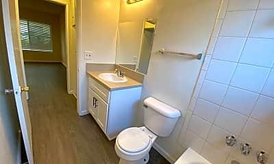 Bathroom, 16113 Woodruff Ave, 2