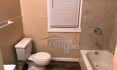 Bathroom, 1732 Lambert St, 2