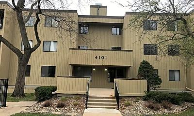 Building, 4101 Parklawn Ave Apt 334, 0
