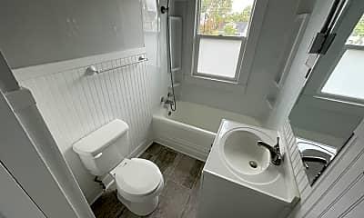 Bathroom, 121 E 14th St, 2