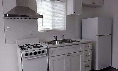 Kitchen, 2706 W 74th St, 1