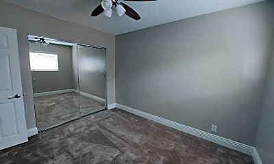 Bedroom, 2040 W Wardlow Rd, 2