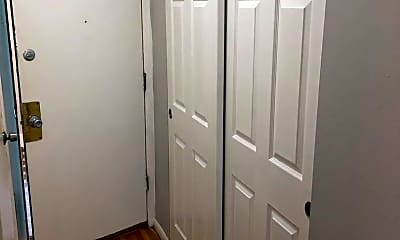 Bedroom, 3217 Russell Blvd, 2