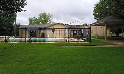 Bradford Apartments, 2