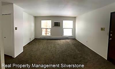Living Room, 2612 Lovington Dr, 1
