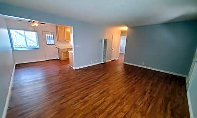 Living Room, 4027 137th St, 1