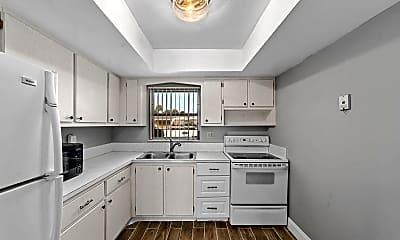 Kitchen, 2567 Dudley Dr W F, 1