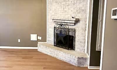 Living Room, 606 Reverse St, 1