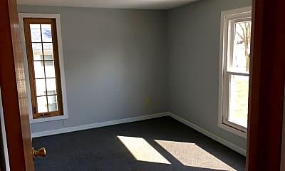 Bedroom, 502 W Clinton St, 2