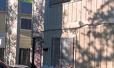 Building, 2711 E Simcoe St, 1