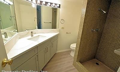 Bathroom, 1750 Kalakaua Ave, 1