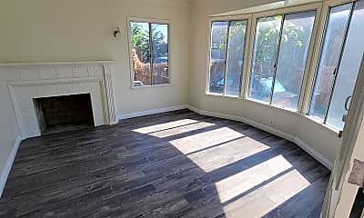 Patio / Deck, 110 W 83rd St, 1