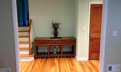 Living Room, 525 Lynn St, 1