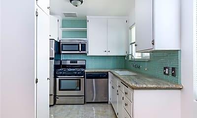 Kitchen, 1246 Chelsea Ave B, 1