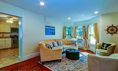 Living Room, 75 Webb Ave 2-WINTER, 0