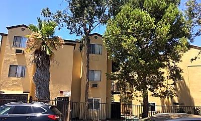 Altadena Apartments, 1