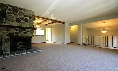 Living Room, 9724 Utica Rd, 1