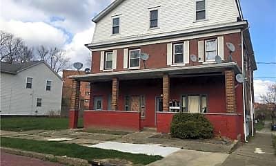 Building, 167 Chittenden St 5, 1