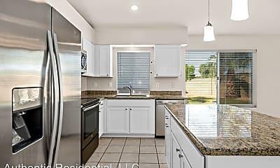 Kitchen, 1003 N Sparrow Dr, 1