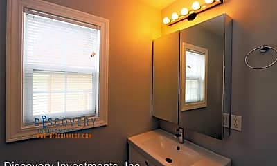 Bathroom, 2011 Rutherford St, 2