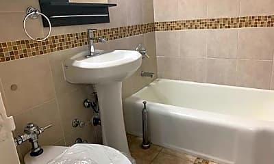 Bathroom, 770 Bronx River Rd A-41, 2