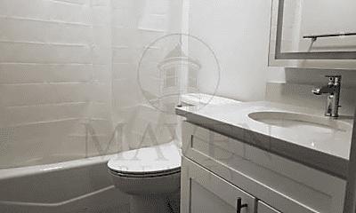 Bathroom, 100 Banks St, 2