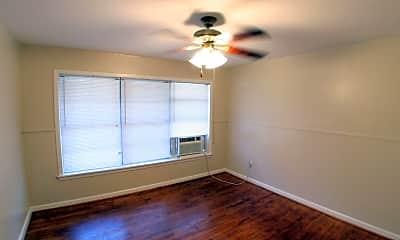 Living Room, 907 E 27th St, 2