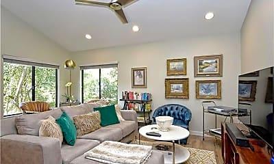 Living Room, 1524 Piedmont Ave, 1