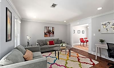 Living Room, 440 Barrington Dr W, 1