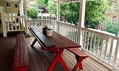 Patio / Deck, 725 Russell Way, 1