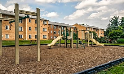 Leesburg Apartments, 2