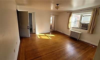 Living Room, 5839 Darlington Rd 2, 1