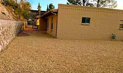 Building, 516 La Quebrada Pl, 2