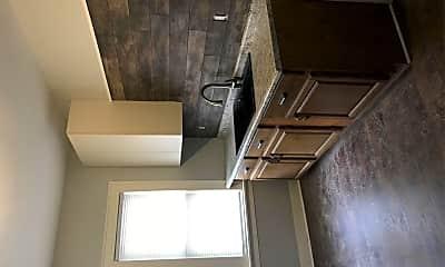 Kitchen, 2901 W Mt Vernon Ave, 2